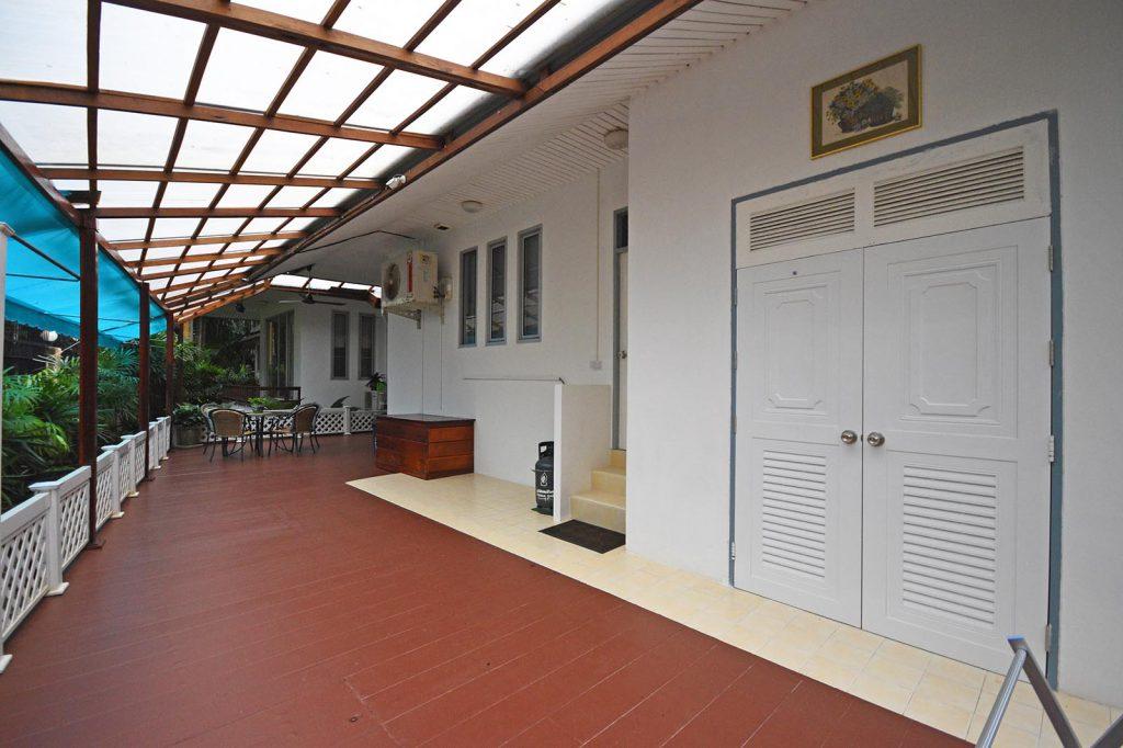 Lavish three-bedroom villa for sale in Krabi